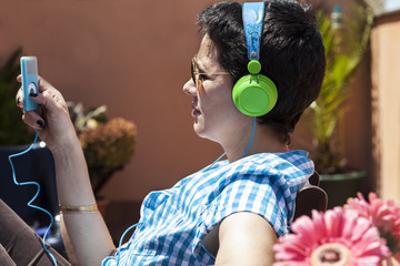 Listening MP3 music with headphones