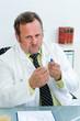 chemiker fordert abstrichprobe an