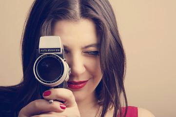 Kameralı kadın