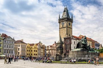 Rathausturm und Denkmal