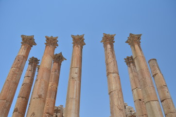 Aligned antique columns - Jerash, Jordan