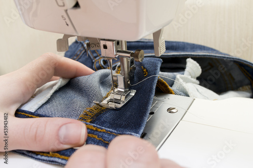Sewing machine with needle