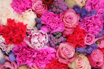 Bridal decorations in different shades of pink and purple
