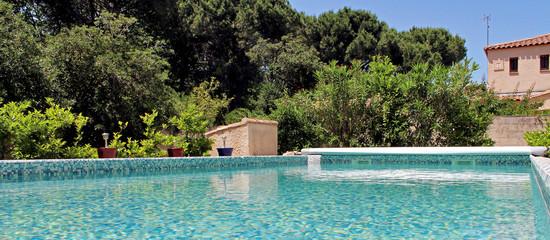 piscine privée dans le sud de la France
