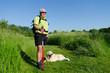 ausflug ins grüne mit hund