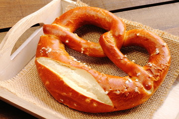 Deutsche breze. German pretzel