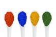 canvas print picture - Bunte Farbpigmente auf Porzellanlöffeln