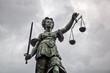 Leinwanddruck Bild - Justitia Statue in Frankfurt am Main