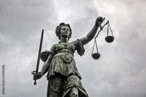 Leinwanddruck Bild Justitia Statue in Frankfurt am Main