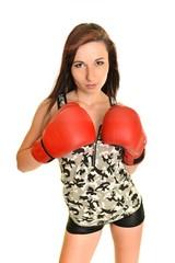 Boxeur - fitness femme portant des gants de boxe de boxe