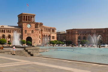 Central square of Yerevan, Hraparak