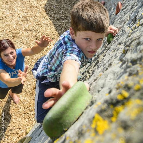 entschlossener Blick beim Bouldern