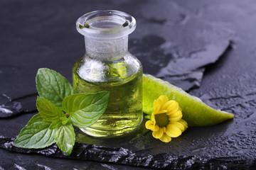 Erfrischendes Massageöl mit Minze