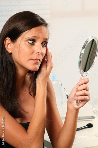canvas print picture Frau schminkt sich