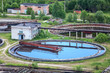 Sewage treatment plant with round cleaners