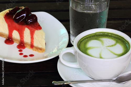 Strawberry cheese cake and Latte greentea with cold water