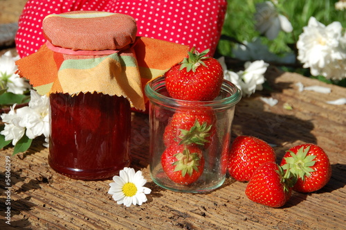 Leinwanddruck Bild leckere Erdbeerkonfitüre