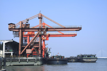 The Working the port crane