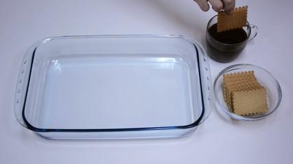 Dunking biscuit for tiramisu
