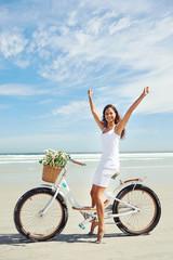 bike beach babe