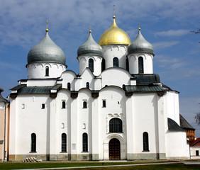 Православный храм в Новгороде
