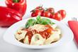 Frische Tortellini mit Tomaten-Basilikum-Soße