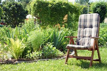 Garten und Stuhl