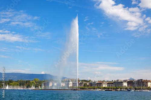Papiers peints Lac / Etang Geneva water jet on Lake Leman at summer