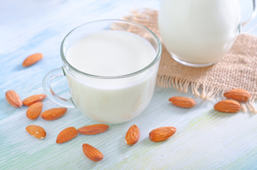 milk with almond