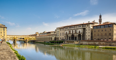 Firenze Ponte vecchio e il corridoio Vasariano