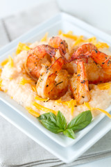 Cheesy Shrimp and grits_vertical