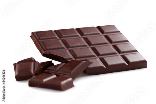 Black chocolate bar and chunks