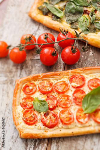 Quiche with tomato and ricotta