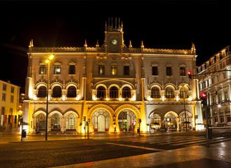 Lissabon, Bahnhof Rossio bei Nacht