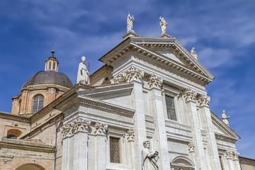 Dom von Urbino