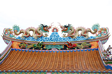 Dragon sculpture on the roof