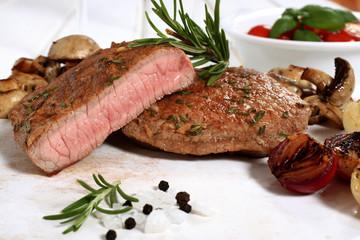 deliziosa carne arrosto con verdure