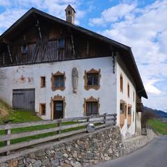 Altes Bauernhaus in Gedeir in Tirol