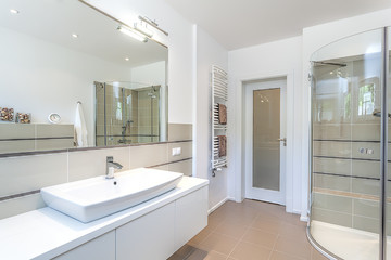 Bright space - bathroom