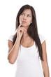 Nachdenkliche junge schöne Frau isoliert mit langen Haaren