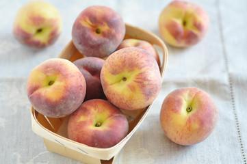 Aprikosen, Pfirsiche