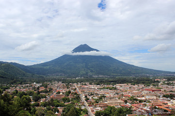 Volcán de Agua y Antigua Guatemala