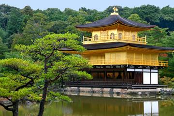 Kinkaku-ji – Goldener Pavillon (1397) in Kyoto / Japan