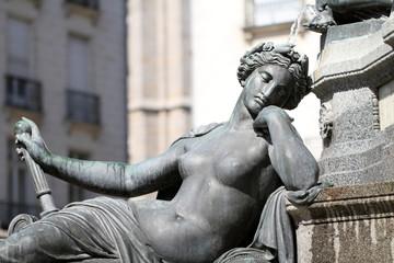 """Statue """"L'Erdre"""" Fontaine de la Place Royale - Nantes"""