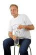 Mann mit einer Wasserflasche