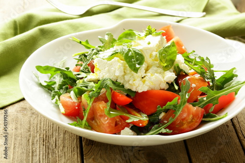 salad with tomato basil and goat cheese