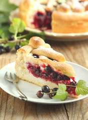 Yeast dough pie with black currant