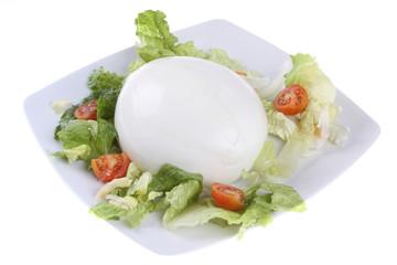 mozzarella con insalata e pomodorini