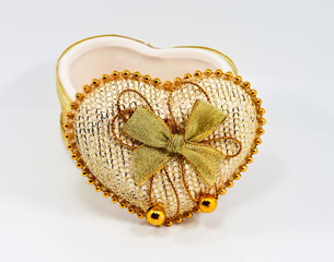Box Ceramic heart shape.