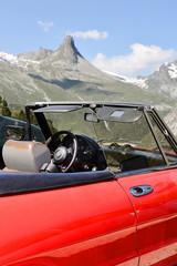 Ausflug in die Berge mit dem Cabriolet